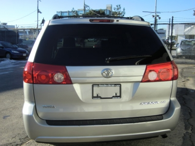 Photo 10 of 2007 Toyota Sienna Le