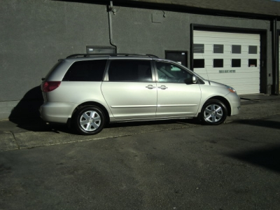 Photo 2 of 2007 Toyota Sienna Le